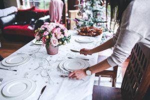 Decorare ed apparecchiare la tavola di Natale